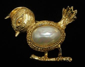 Bird Pin Vintage with Imitation Pearl Body
