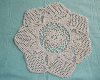 Crocheted decorative doiley mat - classic beige