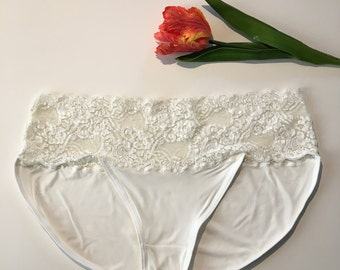 Panties - Plus Size - white lace with soft bamboo