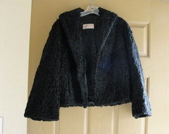 Women's 1970s fully lined curly lamb fur coat 70s short crop cropped black medium large