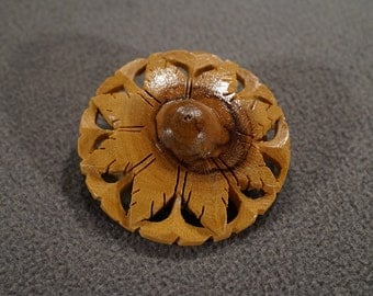Vintage Art Deco Style Wooden Round Etched Scrolled Pin Brooch Jewelry -K#62
