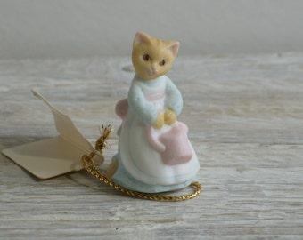 Vintage 80's Hallmark Miniature Cat Figurine ~ Tiny Ceramic Kitten ~ Mini Friend Friendship Spring Gardening Gardener Gift (A1)