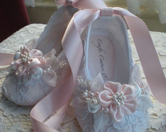 White or Ivory Lace Christening Shoes, Wedding  baby Girl Shoes, Flower Girl, Special Occasion baby Girl Shoes, Lace Baby girl Shoes.