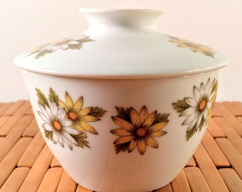 Vintage Noritake China Cook n Serve Marguerite Lidded Sugar Bowl with White and Yellow Daisy Flowers. Retro, Mod Kitchen.