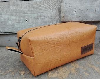 Set of 6 Groomsmen Dopp Kit, Grooming Bag, Leather Dopp Kit, 10%OFF, Groomsmen Gift Set, Leather Toiletry Bag, Shaving Bag, Personalized