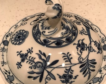 Meissen Blue Onion Fancy Covered Dish