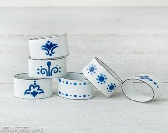 6 Vintage Enamel Napkin Rings - Blue and White Napkin Rings - Enameled Cottage Chic Napkin Rings - Farmhouse Kitchen Decor