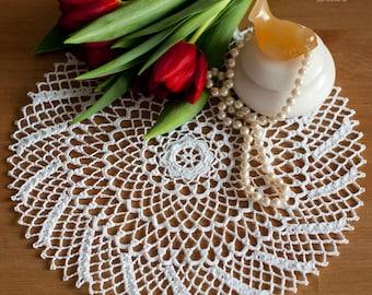 FREE SHIPPING Crochet Doily 24 cm // #1-17