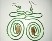 Hand made bendable wires chandelier earring, wooden beads, green wires ear dangke, eco chic accessories, ethnic jewelry