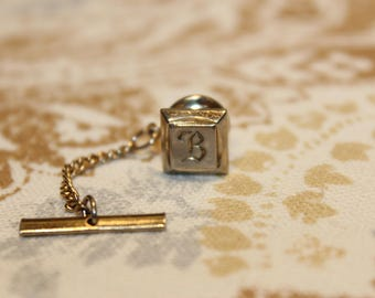 Vintage Gold Toned Tie Tack