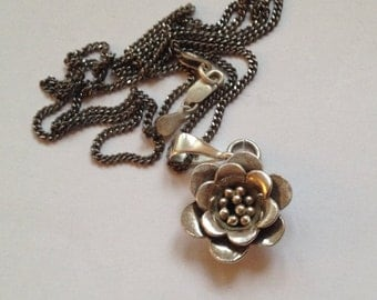 "Sterling Silver 12.6g Pebbled Stem Blooming Rose Blossom Flower Pendant Necklace 25"" Inches"