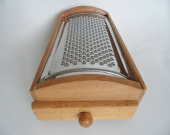 Large Vintage grater,grater in wooden box,cheese grater,1950 kitchen helper,kitchen utensil,grater with drawer