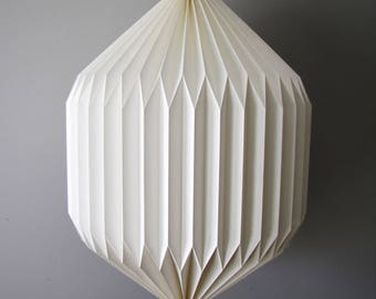 Piza lantern // folded paper lantern // pleated lamp // origami paper lamp // paper chandelier