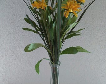 Wild Daisy liquid illusion. Silk flower floral arrangements