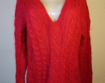 FREE  SHIPPING  Vintage 1960 Woman Pullover Mohair Sweater