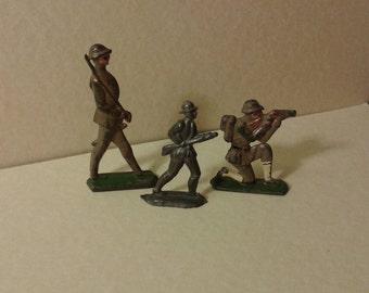 vintage die cast toy soldiers