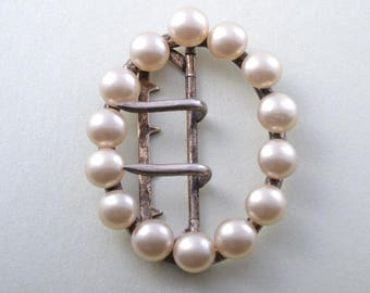Victorian Buckle With Faux Pearls (943p43)