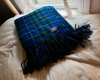 Vintage like new pure virgin wool Pendleton cobalt blue plaid blanket