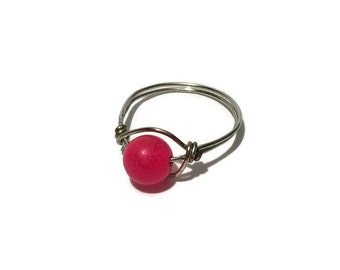 Bead Ring, Size 9 ring, Wire ring, simple ring, pink bead ring, agate ring, dyed agate ring , pink ring