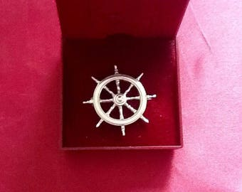Sterling Silver Brooch/Pin in the Form of a Ships Wheel c1970s.