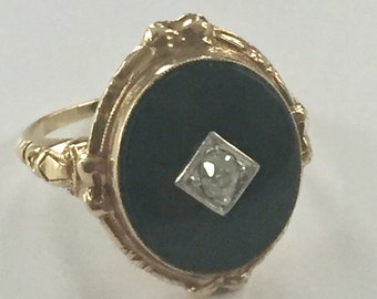 Victorian 10kt Yellow Gold Bezel Set Oval Onyx Diamond Ring Size 5.5