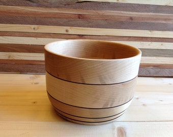 Handcraftd Maple Bowl - 16MB005