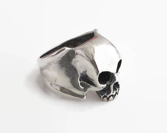 Sterling silver skull ring, large and heavy, biker's ring, Goth ring, man's ring, Halloween, stamped 925, sterling, 22 grams, size X / 11.5