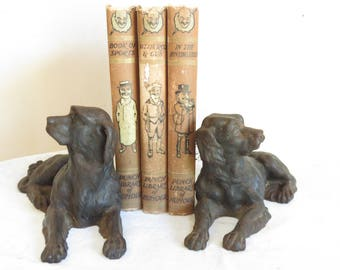 A pair of Antique cast iron dogs/Home decor/Paper weights/ Book ends/Margalide