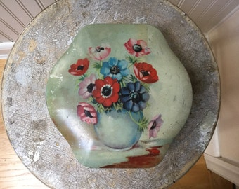 Vintage Floral Tin/Hinged Lid/Made in England