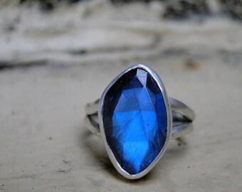Rose Cut Labradorite Ring, Faceted Labradorite, Blue Flash, Sterling Silver, Labradorite Gemstone, Labradorite Jewelry, Gift for Her, Size 6
