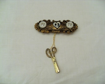 Vintage Sewing brooch, gold thread and Buttons with dangle scissors, Seamstress gift, vintage Sewing jewelry, Sewing pin, Gingerslittlegems