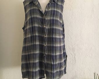 90s Faded Dressbarn Plaid Button Up Top / Oversize Plaid Top