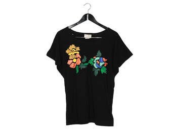1980s vintage t-shirt with flower and bead embroidery - vintage clothing