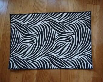 Zebra Pattern Pet Food Mat
