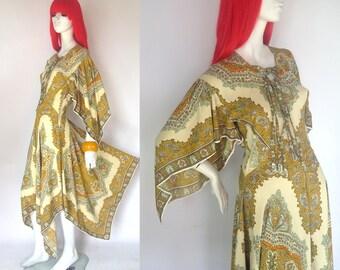 Vintage 1970s paisley hippie handkerchief dress // festival // Woodstock // 60s / african