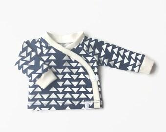 Baby kimono wrap shirt. Toddler longsleeve. Wrap top. Dark blue cotton with white triangles.  Longsleeve shirt.