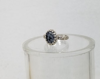 ladies Snow Flake Obsidian ( 8 x 10 mm ) ring size 5 , very detailed band