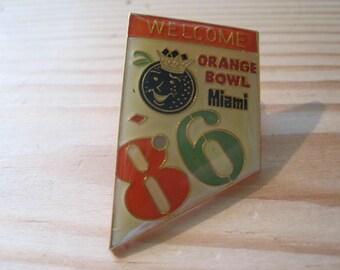 Vintage 1986 Orange Bowl Miami College Football NCAA Lapel/ Hat Pin