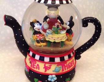 1992 Disney Mary Engelbreit Mickey Tea For Three Snowglobe Teapot Musical
