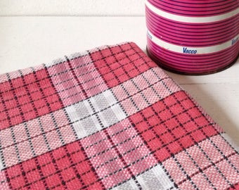 Vintage tablecloth, pretty checked pink table cover for picnics, garden, 1960's Summertablecloth