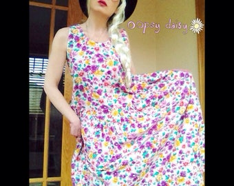 Vintage 1980s Pink flowered dress full skirt with pockets