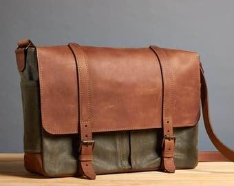 Canvas messenger bag. Leather messenger bag. Laptop canvas bag. Mens waxed canvas crossbody bag.