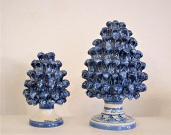 pair of pinecones, pair of pine cones of ceramic of Caltagirone, craftsmanship, hand-painted pine cones, pine cones painted and produced Italy
