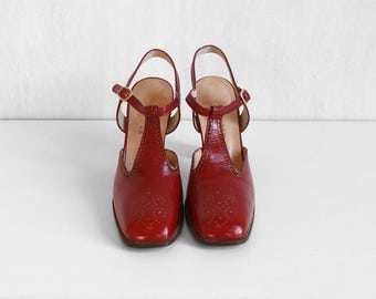T strap Palizzio red shoes / rusty red mary janes shoes / high heels mary janes red shoes / leather red t strap pumps / red mary janes pumps