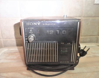 Vintage Sony Digimatic model TFM-C440W working radio