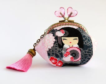 Hand crafted Japanese Kimmidoll fabric coin purse with kiss lock frame and heart shaped beads - collectable #0078