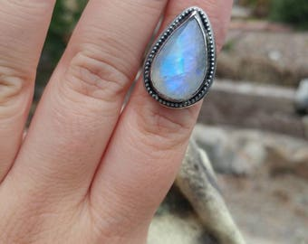 Size 6.75-7 Moon stone ring