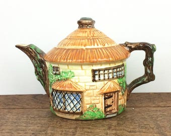 Vintage Beswick cottage ceramic tea pot in excellent condition