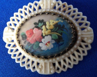 1920s Hand-painted Celluloid Brooch
