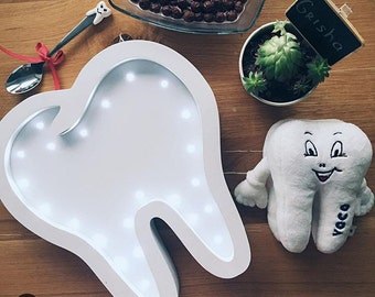 Dentist gift Gift for dentist Tooth Personalized gift for doctor Gift for doctor Night light Lamp Tooth Battery Operated Light wooden lights